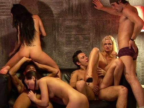 Приватная секс-вечеринка с участием шлюх